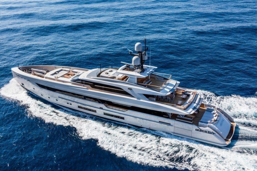 Vertige Luxury Superyacht